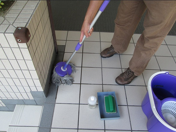 water can be used to clean tiles